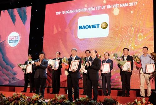 Bảo Việt trong top 10 doanh nghiệp niêm yết uy tín năm 2017