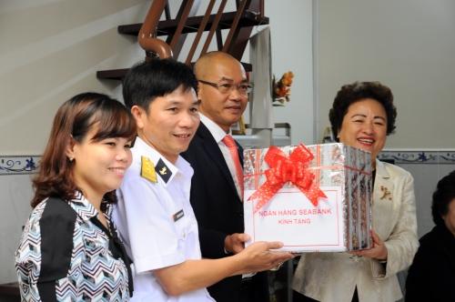 SeABank hỗ trợ sửa nhà cho chiến sĩ vùng 2 Hải quân