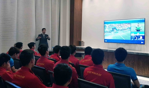 Tuyển Việt Nam lần đầu trải nghiệm công nghệ VAR