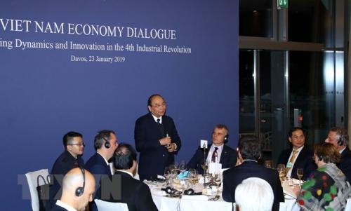 Thủ tướng đối thoại với các tập đoàn toàn cầu về kinh tế Việt Nam