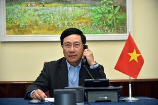 Phó Thủ tướng Phạm Bình Minh điện đàm với Ngoại trưởng Hoa Kỳ