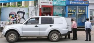 Tiền mặt thuộc hàng hóa được vũ trang bảo vệ khi vận chuyển