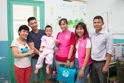 Nu Skin Việt Nam quyên góp quỹ phẫu thuật tim cho trẻ em