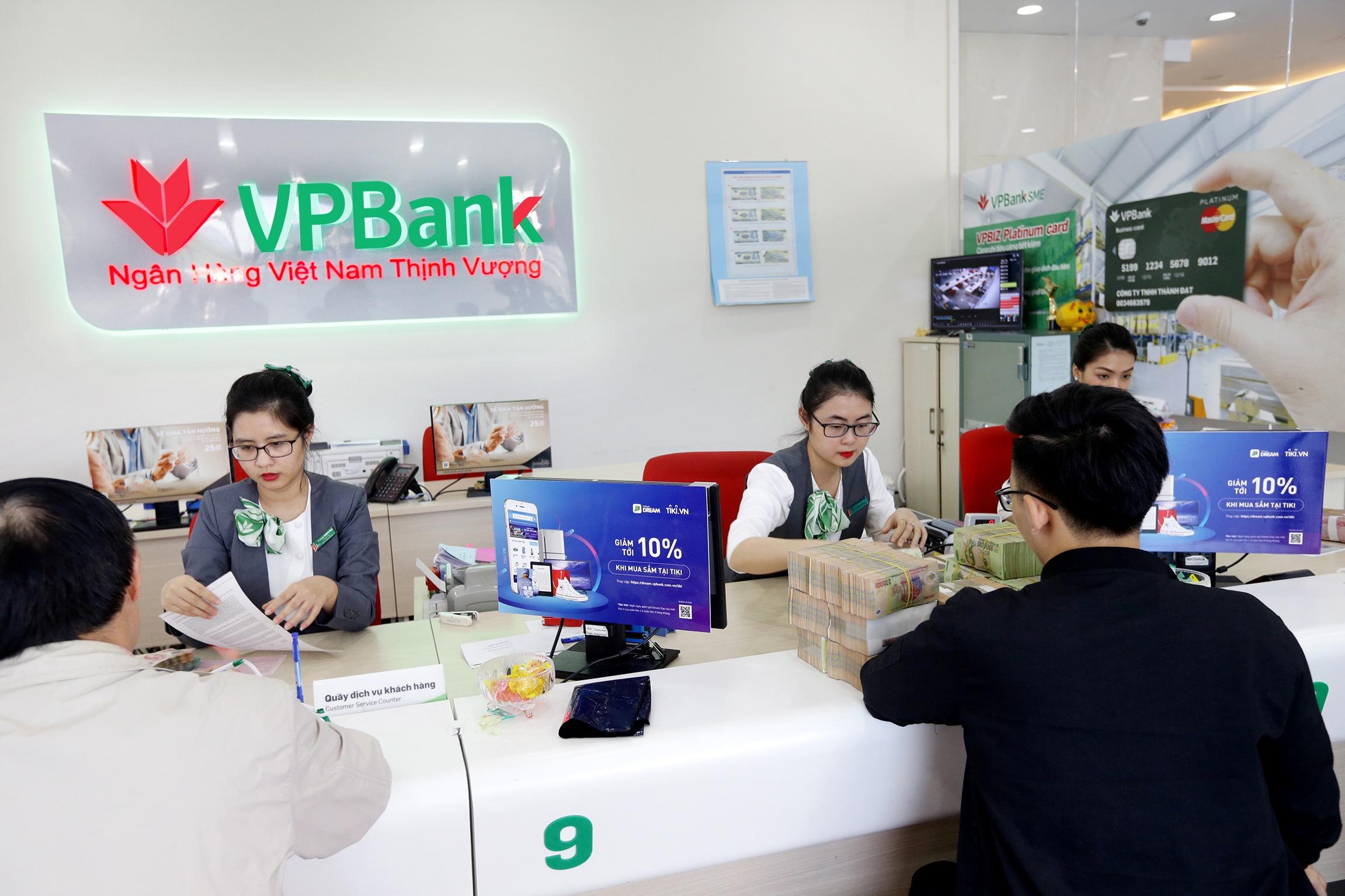 vpbank giam 5 gia va tang ve mien phi cho khach hang tham du giai f1 viet nam grand prix