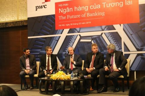 Ngân hàng tương lai: Số hóa mạnh mẽ, trải nghiệm khách hàng