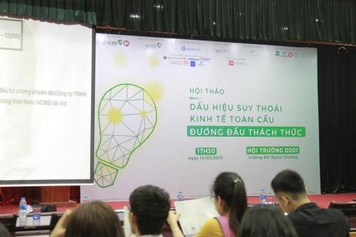 """Hội thảo """"Dấu hiệu suy thoái kinh tế toàn cầu: Đương đầu thách thức"""""""