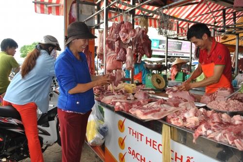 Đảm bảo cân đối cung - cầu thịt lợn trước trong và sau dịch