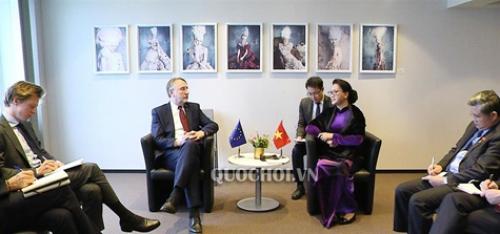 Chủ tịch Quốc hội gặp Chủ tịch Ủy ban Thương mại quốc tế Nghị viện châu Âu