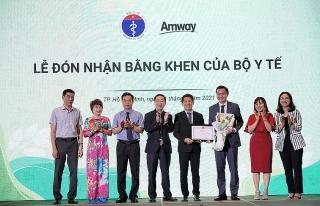 Amway Việt Nam lần thứ 2 đón nhận Bằng khen của Bộ Y tế