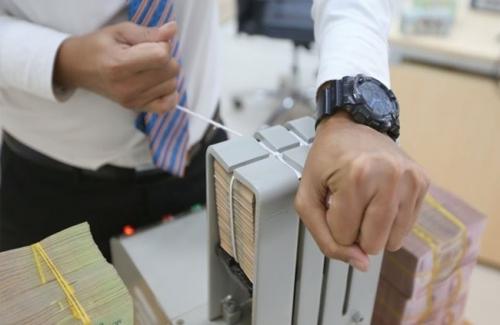 Tiếp tục kiểm soát chặt chẽ tín dụng với lĩnh vực tiềm ẩn rủi ro