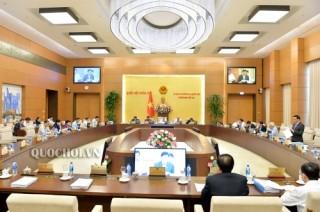 Phân công các bộ chuẩn bị nội dung tờ trình Phiên họp thứ 34 của UBTVQH