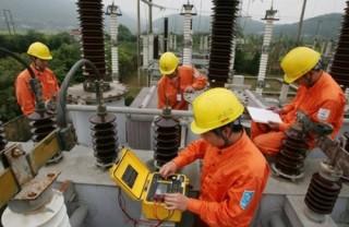 Phó Thủ tướng yêu cầu tiếp tục đánh giá tác động của việc điều chỉnh giá điện