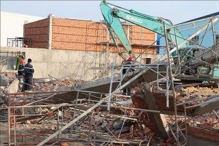 Thủ tướng yêu cầu làm rõ nguyên nhân vụ tai nạn, xử lý nghiêm vi phạm sập công trình ở Đồng Nai