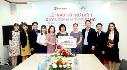 SeABank trao 122 triệu đồng cho Quỹ Ngày mai tươi sáng