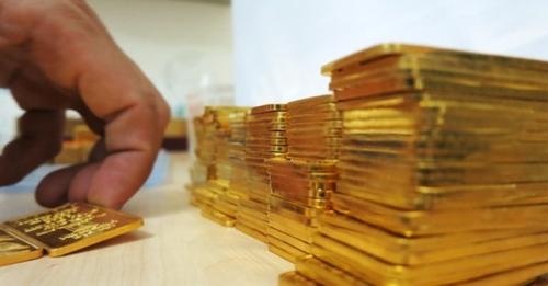 Vàng tăng, giảm thất thường, người mua nên thận trọng