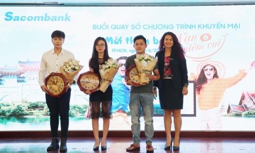 Gần 800 khách hàng trúng thưởng ở Sacombank
