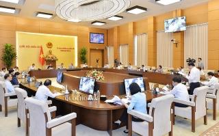 Ủy ban Thường vụ Quốc hội cho ý kiến về chính sách tài chính-ngân sách đặc thù đối với Hà Nội