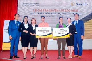 Sun Life Việt Nam chi trả quyền lợi bảo hiểm cho khách hàng tại Quảng Ngãi