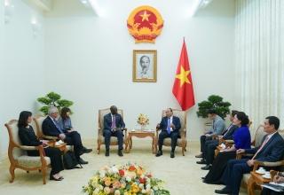 Thủ tướng Nguyễn Xuân Phúc tiếp Giám đốc Quốc gia WB tại Việt Nam