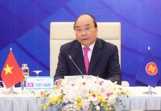 ASEAN thông qua tuyên bố về 'vượt lên các thách thức và duy trì tăng trưởng'