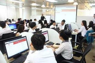 Nhân lực dịch vụ tài chính: Nâng cao kỹ năng để bắt nhịp với kỷ nguyên số