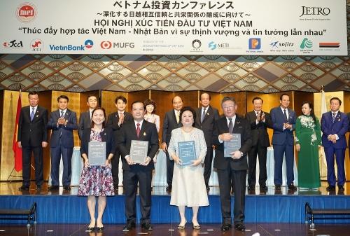 Tập đoàn BRG, VNPT, Sumitomo và SeABank trao thỏa thuận hợp tác