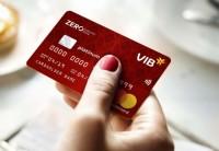 Chủ thẻ đầu tiên của VIB trúng cặp vé du lịch châu Á