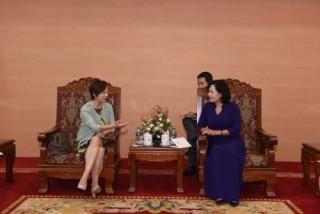 Phó Thống đốc Nguyễn Thị Hồng tiếp Giám đốc Học viện Quản lý tài sản của Singapore