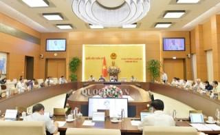 'Giữ nguyên Ủy ban Chứng khoán Nhà nước trực thuộc Bộ Tài chính'