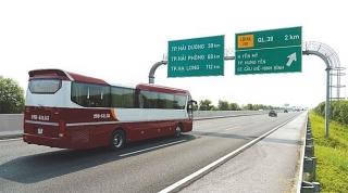 Giảm 30% phí đường bộ với xe ô tô kinh doanh vận tải hành khách