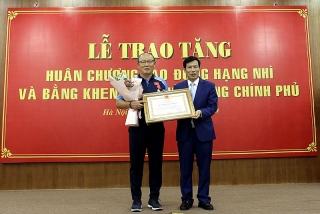 HLV Park Hang-seo vinh dự nhận Huân chương Lao động hạng Nhì