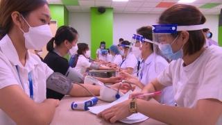 Thủ tướng yêu cầu Bộ Y tế đàm phán mua vaccine do 4 hiệp hội đề xuất