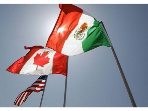 """Hiệp định Thương mại tự do Bắc Mỹ có thành """"cuộc chơi tay đôi""""?"""