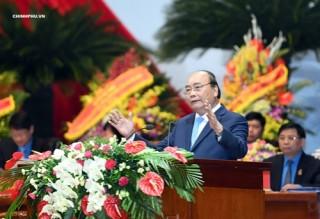 Thủ tướng đề nghị Công đoàn Việt Nam tiếp tục đổi mới và có bước đột phá