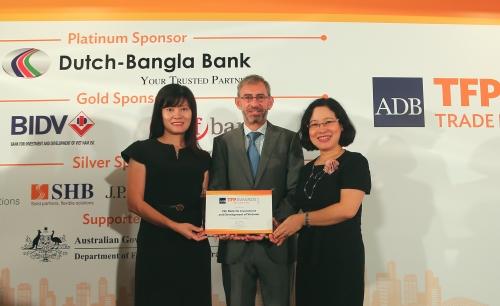 """BIDV nhận giải thưởng """"Best SME Deal"""" của ADB"""