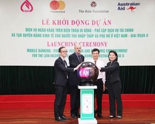NHCSXH khởi động giai đoạn hai Dự án dịch vụ ngân hàng trên điện thoại di động
