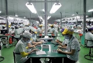 Sẽ xem xét đề xuất không thu thuế TNCN với khoản tiền doanh nghiệp hỗ trợ người lao động