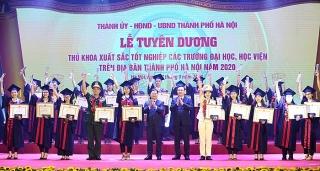 Hà Nội tuyên dương 88 thủ khoa năm 2020