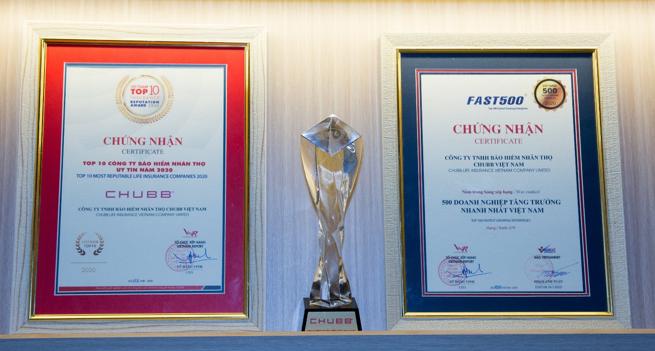 """Chubb Life Việt Nam """"rinh"""" hai giải thưởng lớn về uy tín và tăng trưởng"""