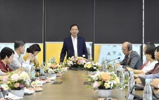 Phó Thống đốc thường trực NHNN Đào Minh Tú làm việc với Techcombank