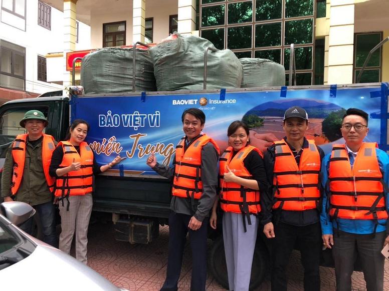 Bảo Việt ủng hộ gần 3 tỷ đồng hỗ trợ các tỉnh miền Trung khắc phục hậu quả bão lũ