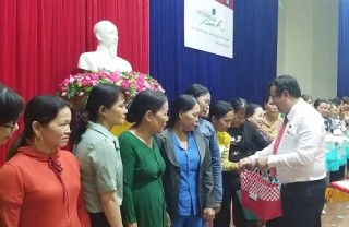 Đà Nẵng: Cùng Agribank thay túi ni lông bằng giỏ đi chợ