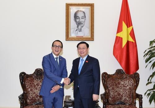 Phó Thủ tướng đánh giá cao việc hợp tác giữa FWD và Vietcombank