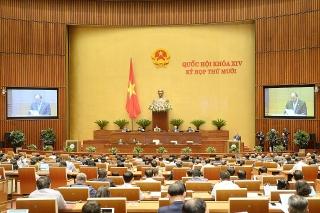 Thủ tướng trình bày Tờ trình đề nghị Quốc hội phê chuẩn việc bổ nhiệm Thống đốc NHNN