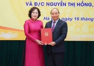 Thủ tướng Chính phủ trao quyết định và giao nhiệm vụ cho tân Thống đốc NHNN Nguyễn Thị Hồng