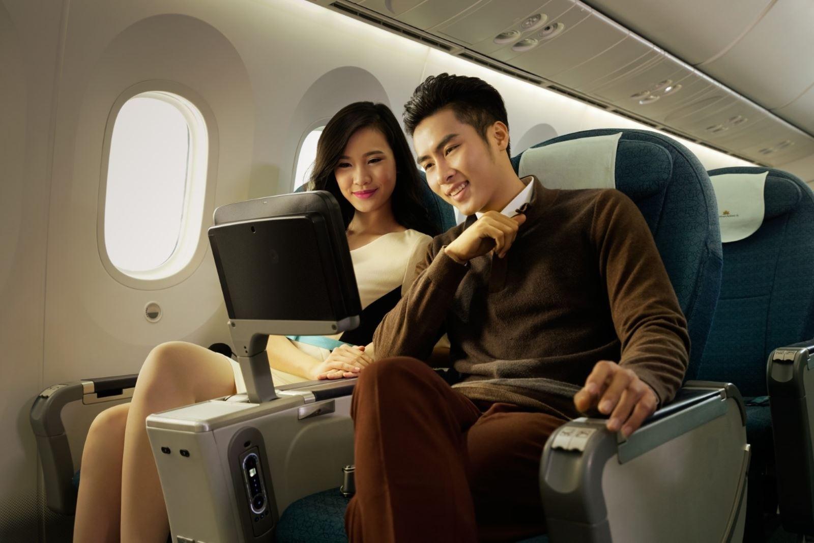 tu 112 vietnam airlines phuc vu an pham dien tu tren chuyen bay