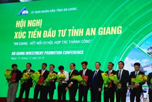 Ngân hàng cam kết đầu tư 4.600 tỷ đồng vào An Giang