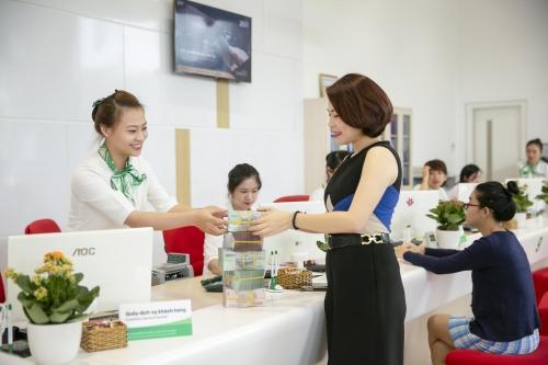 vpbank ra mat goi san pham tien phong beauty up