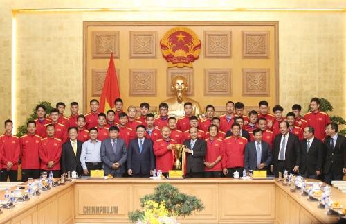 Thủ tướng nhấn mạnh việc xây dựng hình ảnh Đội tuyển Bóng đá