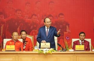 Thủ tướng gặp mặt hai đội tuyển bóng đá vừa đạt huy chương vàng SEA Games 30